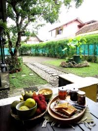 Breakfast by the garden